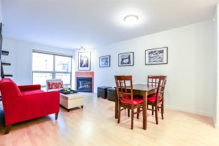 "Photo 6: 808 819 HAMILTON Street in Vancouver: Downtown VW Condo for sale in ""EIGHT ONE NINE"" (Vancouver West)  : MLS®# R2118682"