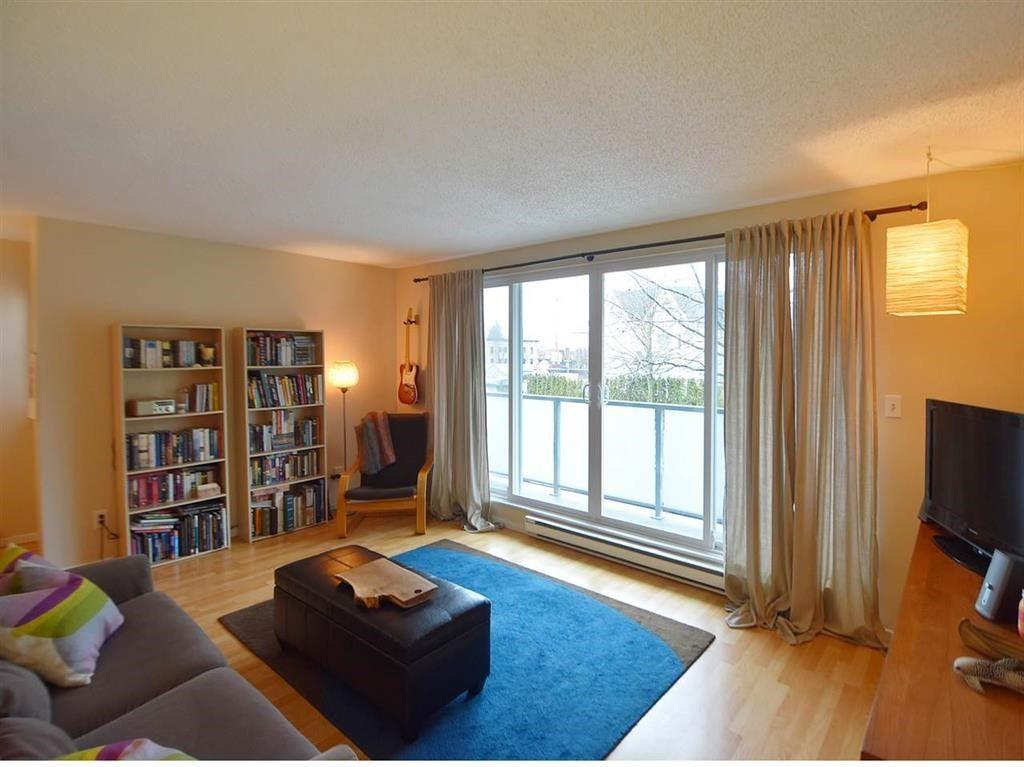 Main Photo: 2 224 E 12TH Avenue in Vancouver: Mount Pleasant VE Condo for sale (Vancouver East)  : MLS®# R2156909