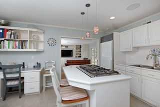 Photo 10: LA JOLLA House for sale : 4 bedrooms : 6511 Avenida Wilfredo