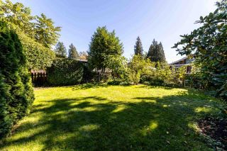 """Photo 38: 1561 DOVERCOURT Road in North Vancouver: Lynn Valley House for sale in """"Lynn Valley"""" : MLS®# R2502418"""