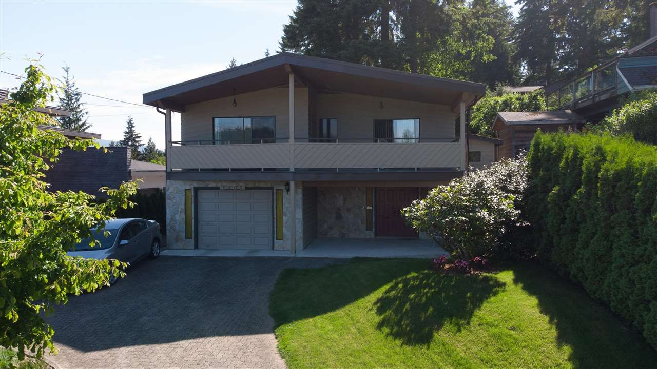 Main Photo: 1005 BLUE MOUNTAIN Street in Coquitlam: Harbour Chines House for sale : MLS®# R2590903