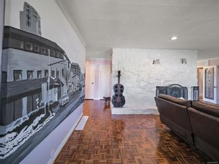 Photo 5: 663 Kent Rd in : SW Tillicum House for sale (Saanich West)  : MLS®# 878931