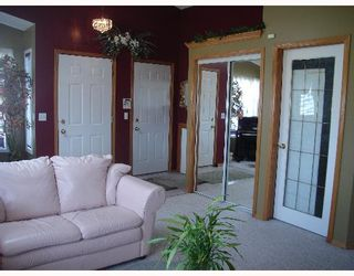 Photo 2:  in CALGARY: Applewood Residential Detached Single Family for sale (Calgary)  : MLS®# C3254303