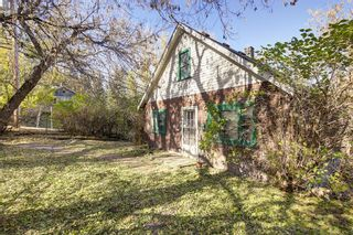 Photo 2: 54 28 Avenue SW in Calgary: Erlton House for sale