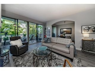 """Photo 11: 201 1705 MARTIN Drive in Surrey: Sunnyside Park Surrey Condo for sale in """"Southwynd"""" (South Surrey White Rock)  : MLS®# R2393853"""