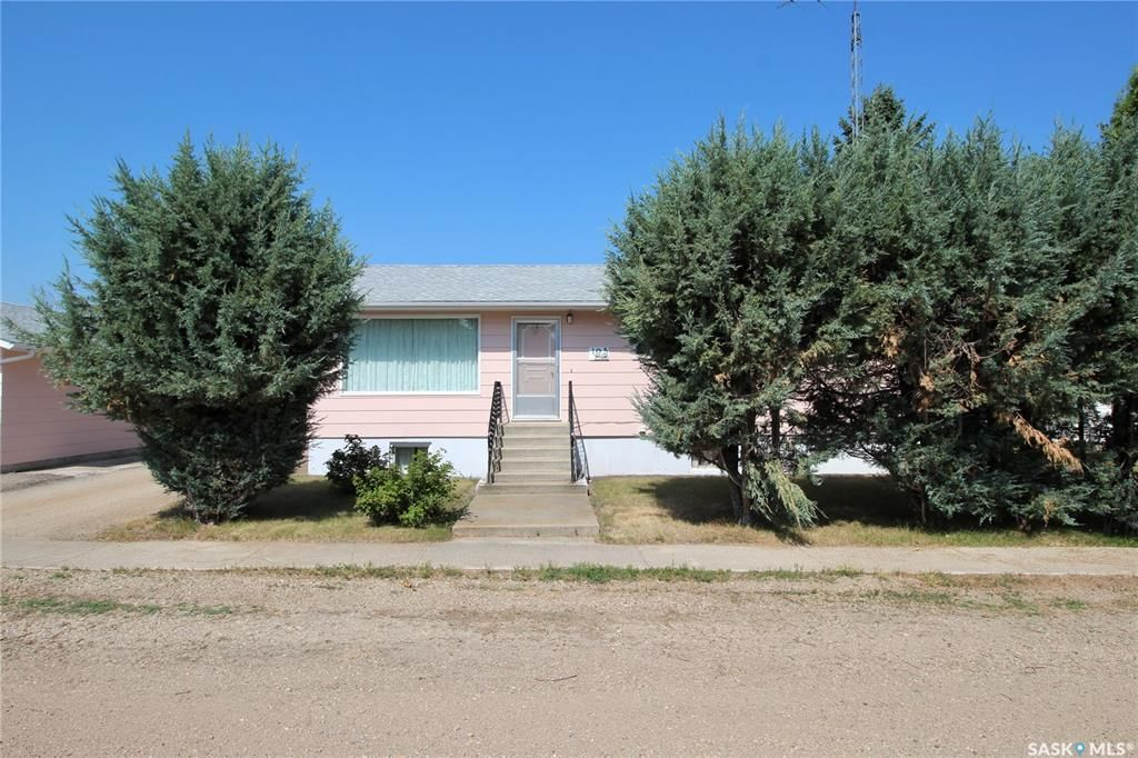 Main Photo: 105 4th Avenue North in St. Brieux: Residential for sale : MLS®# SK864308