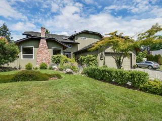 Photo 1: 6824 SANDPIPER Place in Delta: Sunshine Hills Woods House for sale (N. Delta)  : MLS®# R2081391