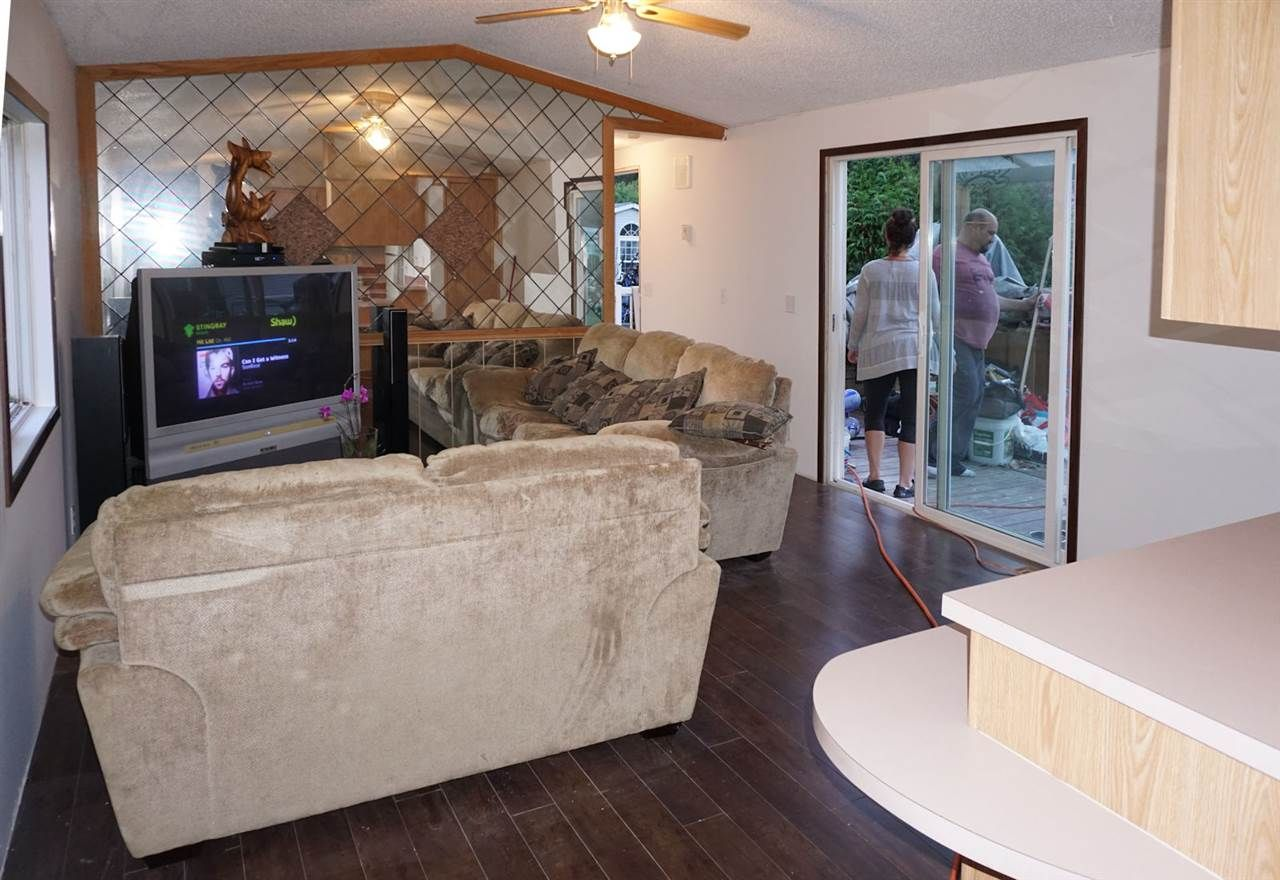 """Photo 3: Photos: 8 62790 FLOOD HOPE Road in Hope: Hope Center Manufactured Home for sale in """"SILVER RIDGE ESTATES"""" : MLS®# R2115659"""