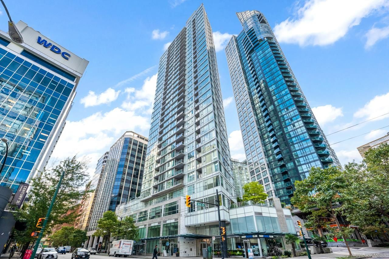 Main Photo: 2701 1188 W PENDER Street in Vancouver: Coal Harbour Condo for sale (Vancouver West)  : MLS®# R2623077