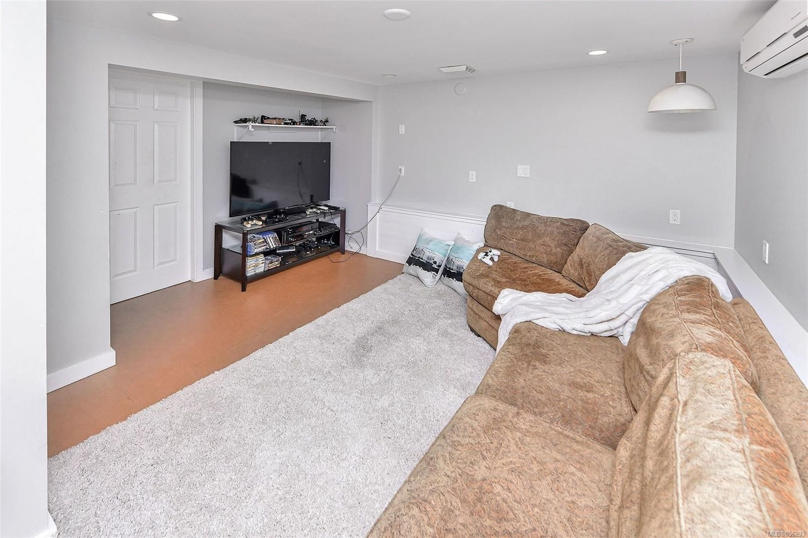 Photo 25: Photos: 1753 Armstrong Ave in : OB North Oak Bay House for sale (Oak Bay)  : MLS®# 856293