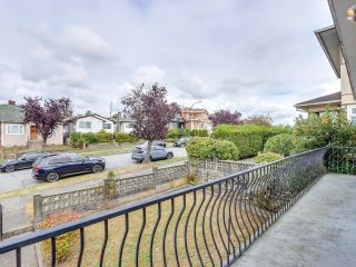 """Photo 6: 2928 E 6TH Avenue in Vancouver: Renfrew VE House for sale in """"RENFREW"""" (Vancouver East)  : MLS®# R2620288"""