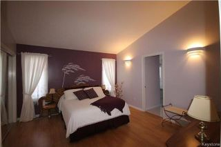 Photo 11: 205 Barlow Crescent in Winnipeg: River Park South Residential for sale (2F)  : MLS®# 1729915