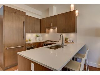 "Photo 2: 300 2432 HAYWOOD Avenue in West Vancouver: Dundarave Condo for sale in ""THE HAYWOOD"" : MLS®# V1110877"