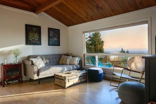 Photo 1: 1411 VELVET Road in Gibsons: Gibsons & Area House for sale (Sunshine Coast)  : MLS®# R2555687