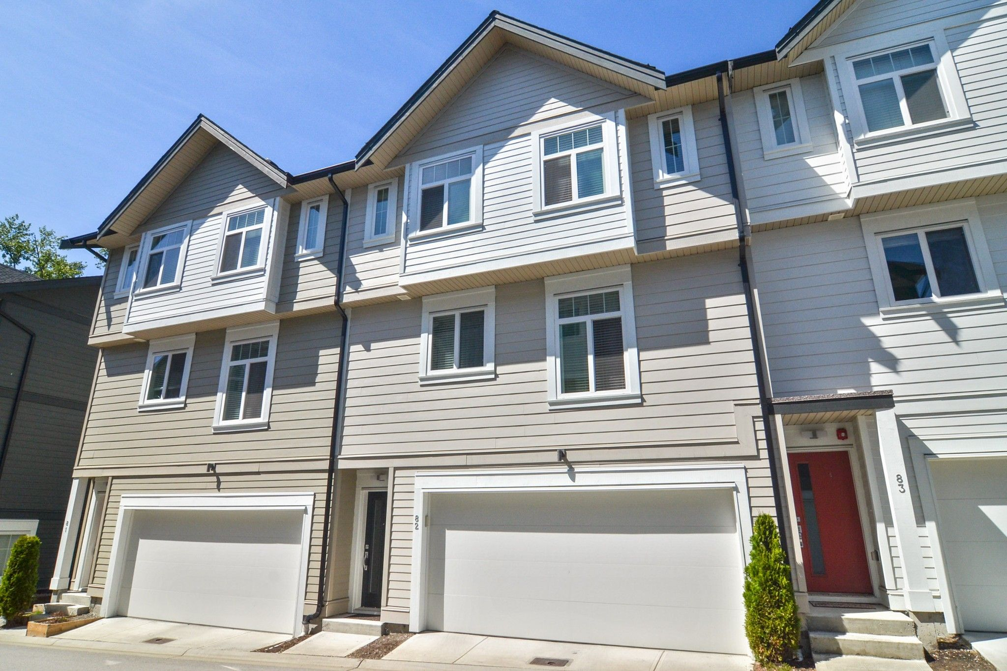 """Main Photo: 82 7665 209 Street in Langley: Willoughby Heights Townhouse for sale in """"Archstone"""" : MLS®# R2594119"""