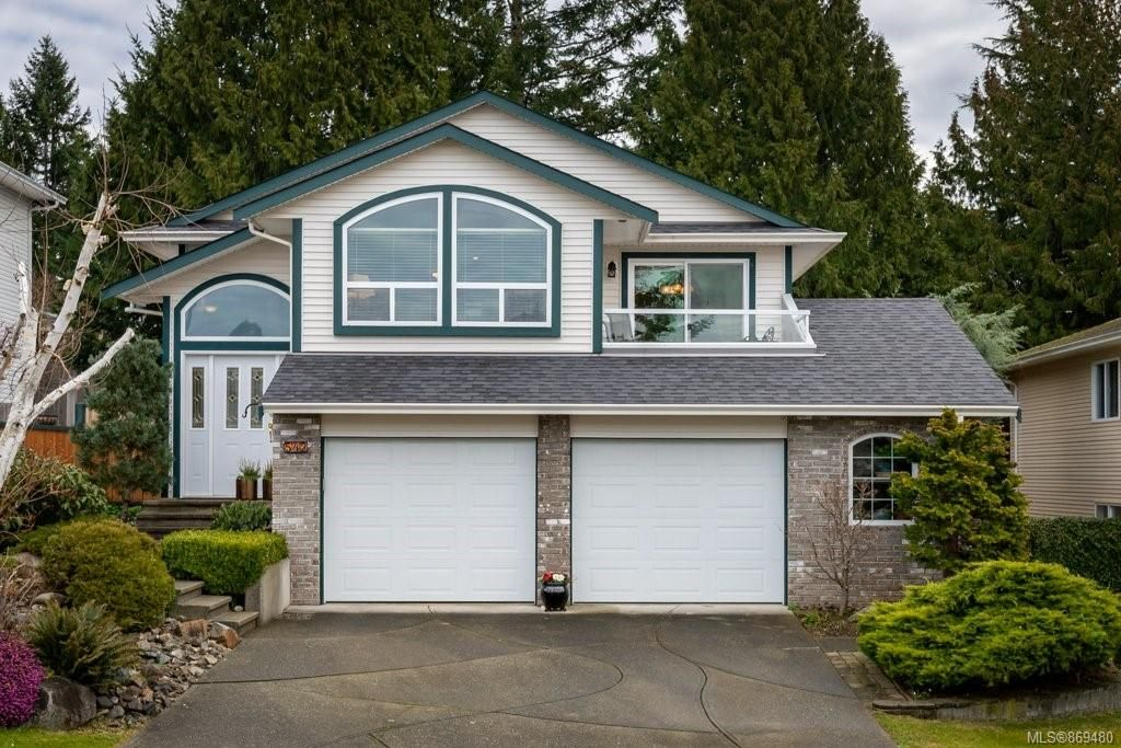 Main Photo: 542 Steenbuck Dr in : CR Campbell River Central House for sale (Campbell River)  : MLS®# 869480