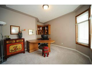 Photo 10: 133 EVERGREEN Crescent SW in CALGARY: Shawnee Slps Evergreen Est Residential Detached Single Family for sale (Calgary)  : MLS®# C3535848
