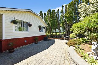 """Photo 2: 35822 CANTERBURY Avenue in Abbotsford: Abbotsford East House for sale in """"Mountain Village"""" : MLS®# R2583174"""