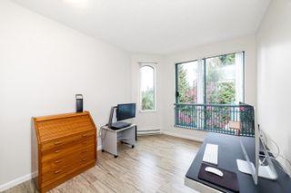 """Photo 15: 405 1705 MARTIN Drive in Surrey: White Rock Condo for sale in """"Southwynds"""" (South Surrey White Rock)  : MLS®# R2625485"""