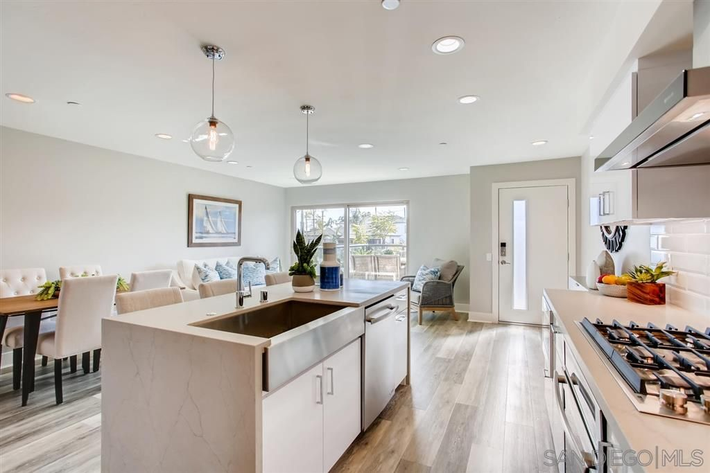 Main Photo: POINT LOMA Townhouse for sale : 3 bedrooms : 3030 Jarvis #1 in San Diego