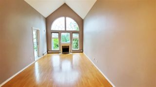 """Photo 3: 403 1200 EASTWOOD Street in Coquitlam: North Coquitlam Condo for sale in """"LAKESIDE TERRACE"""" : MLS®# R2484814"""