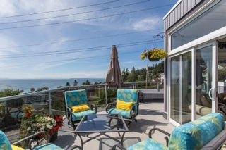 """Photo 32: 1246 OXFORD Street: White Rock House for sale in """"HILLSIDE"""" (South Surrey White Rock)  : MLS®# R2615976"""