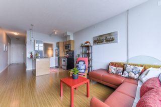 "Photo 5: 1907 13399 104 Avenue in Surrey: Whalley Condo for sale in ""D'Corize"" (North Surrey)  : MLS®# R2370927"