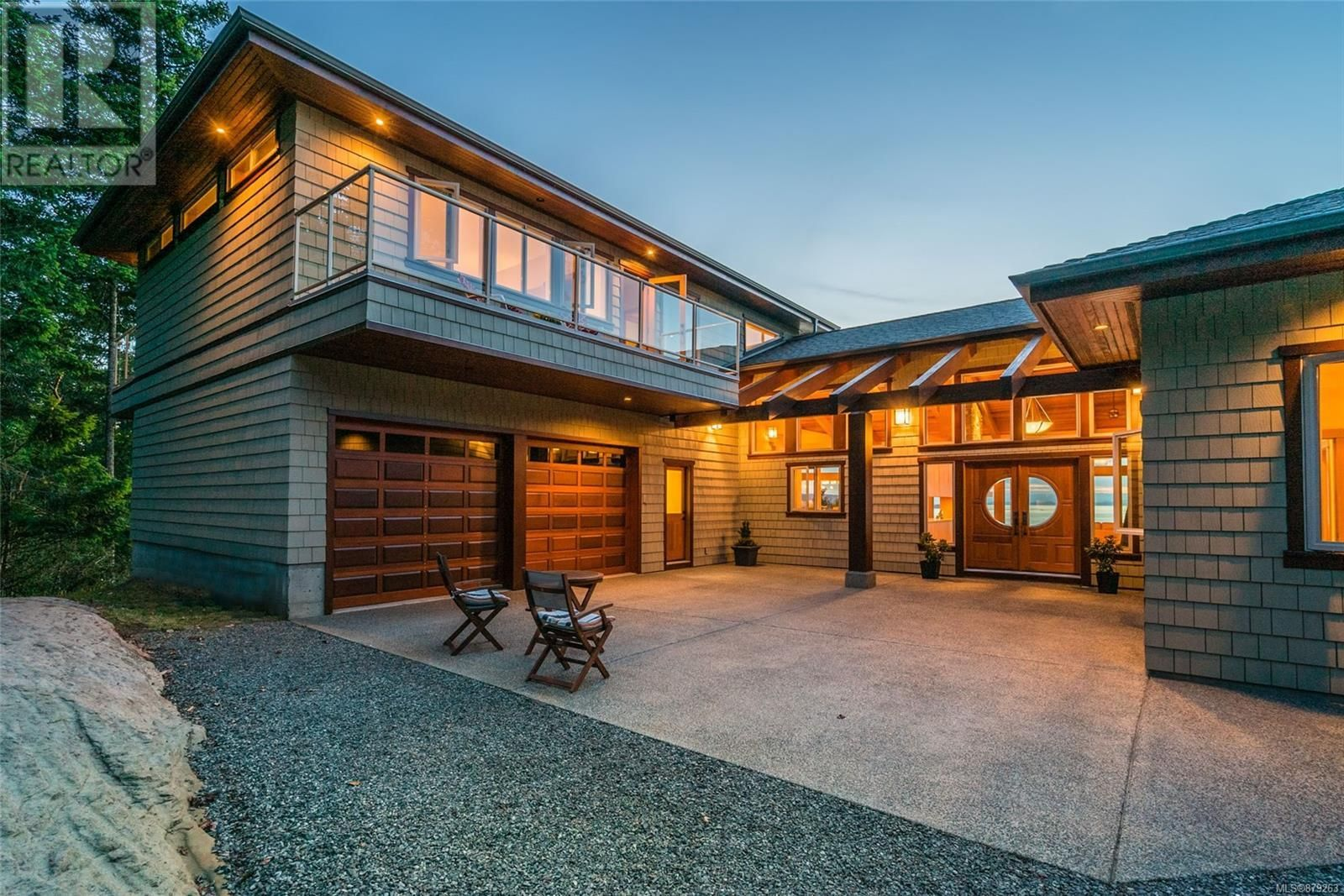 Photo 4: Photos: 825 Duthie Ave in Gabriola Island: House for sale : MLS®# 879263