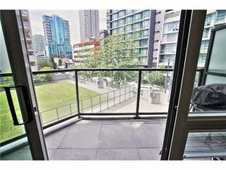 """Photo 15: 307 1212 HOWE Street in Vancouver: Downtown VW Condo for sale in """"1212 HOWE - MIDTOWN"""" (Vancouver West)  : MLS®# V1078871"""