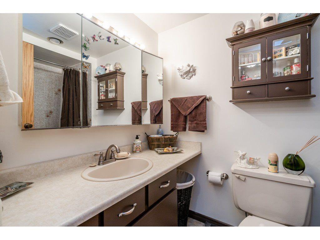 "Photo 14: Photos: 205 7155 134 Street in Surrey: West Newton Condo for sale in ""EAGLE GLEN"" : MLS®# R2446715"