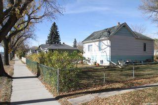 Photo 2: 506 33rd Street East in Saskatoon: North Park Residential for sale : MLS®# SK871984