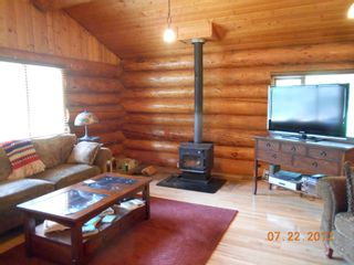 Photo 4: 7635 Mountain Drive in Anglemont: North Shuswap House for sale (Shuswap)  : MLS®# 10051750