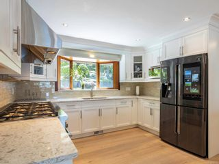 Photo 12: 1032/1034 Lands End Rd in North Saanich: NS Lands End House for sale : MLS®# 883150