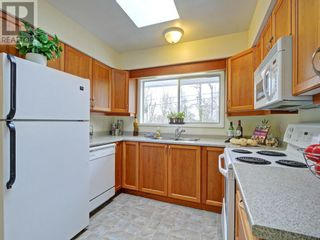 Photo 5: 9252 West Saanich Road in North Saanich: House for sale : MLS®# 375505