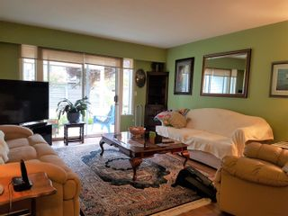 """Photo 2: 239 32691 GARIBALDI Drive in Abbotsford: Abbotsford West Townhouse for sale in """"Carriage Lane"""" : MLS®# R2612779"""