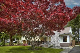 Photo 3: 27153 34 Avenue: House for sale in Langley: MLS®# R2577651