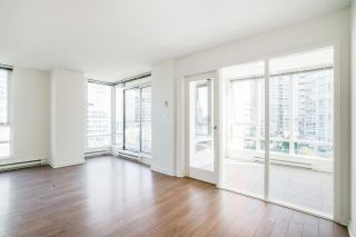 """Photo 4: 805 980 COOPERAGE Way in Vancouver: Yaletown Condo for sale in """"COOPERS POINTE by Concord Pacific"""" (Vancouver West)  : MLS®# R2614161"""