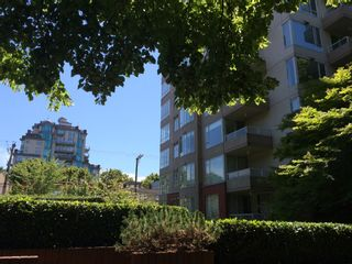 """Photo 42: 403 1566 W 13TH Avenue in Vancouver: Fairview VW Condo for sale in """"ROYAL GARDENS"""" (Vancouver West)  : MLS®# R2080778"""