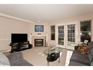 """Photo 2: 36 19160 119TH Avenue in Pitt Meadows: Central Meadows Townhouse for sale in """"WINDSOR OAK"""" : MLS®# V898835"""
