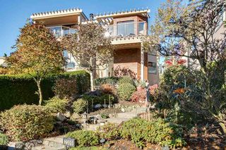 Photo 1: 2309 BELLEVUE Avenue in West Vancouver: Dundarave 1/2 Duplex for sale : MLS®# R2023795