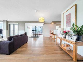 """Photo 2: 2701 1331 ALBERNI Street in Vancouver: West End VW Condo for sale in """"THE LIONS"""" (Vancouver West)  : MLS®# R2576100"""