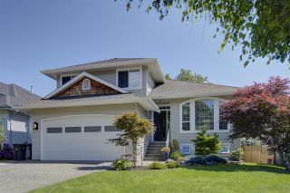 Photo 1: 2292 MADRONA Place in Surrey: King George Corridor House for sale (South Surrey White Rock)  : MLS®# R2459582