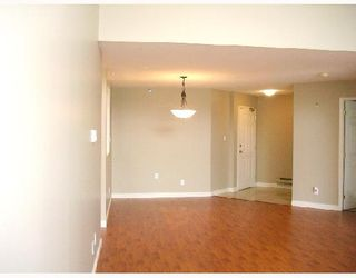 """Photo 4: 305 7011 BLUNDELL Road in Richmond: Brighouse South Condo for sale in """"WINDSOR GARDEN"""" : MLS®# V701334"""