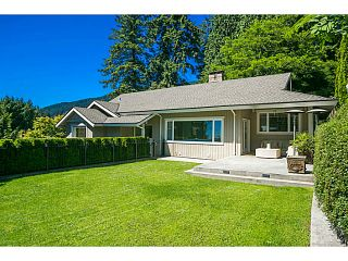 Photo 1: 2655 Palmerston Av in West Vancouver: Queens House for sale : MLS®# V1070700