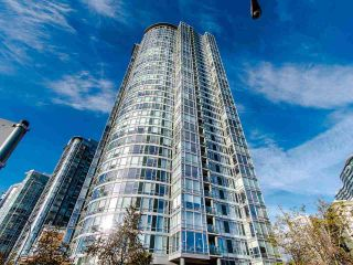 """Photo 1: 2901 1033 MARINASIDE Crescent in Vancouver: Yaletown Condo for sale in """"Quaywest"""" (Vancouver West)  : MLS®# R2439944"""