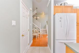 Photo 7: 4 914 St. Charles St in Victoria: Vi Rockland Row/Townhouse for sale : MLS®# 845160