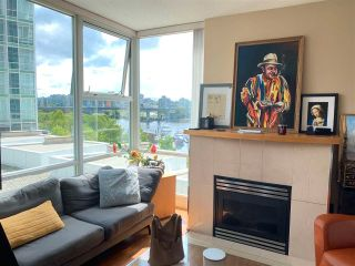 """Photo 3: 603 1099 MARINASIDE Crescent in Vancouver: Yaletown Condo for sale in """"Marinaside Resort"""" (Vancouver West)  : MLS®# R2580994"""