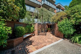 """Photo 33: 311 1405 W 15TH Avenue in Vancouver: Fairview VW Condo for sale in """"Landmark Gardens"""" (Vancouver West)  : MLS®# R2622148"""