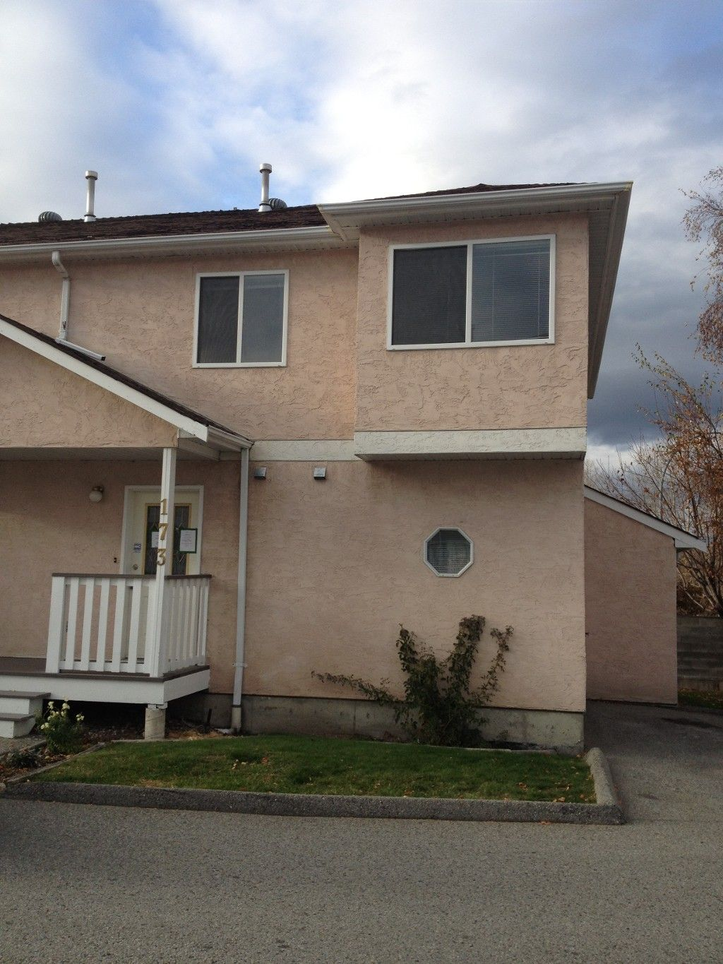 Main Photo: 173 - 1458 Penticton Avenue in Penticton: Columbia/Duncan Residential Attached for sale : MLS®# 141600