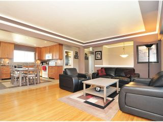 Photo 2: 338 LEROY Street in Coquitlam: Central Coquitlam House for sale : MLS®# V981040